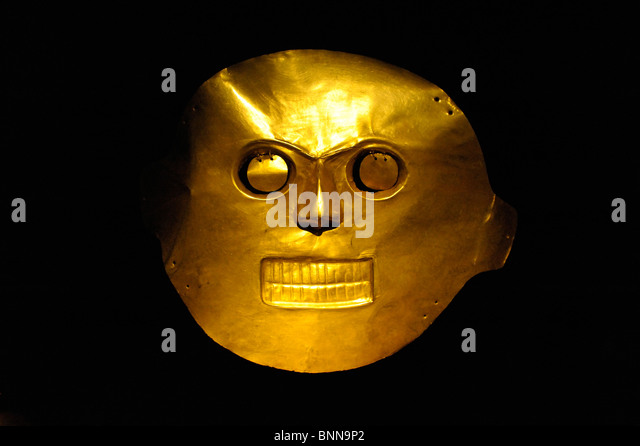 Exhibition pieces Museo del Oro präkolumbianisch Gold Bogota Colombia South America mask face eyes mouth nose - Stock Image