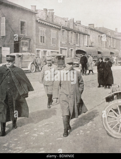 General Joffre, left, and General Petain, right, at Verdun, France, 1916. - Stock Image