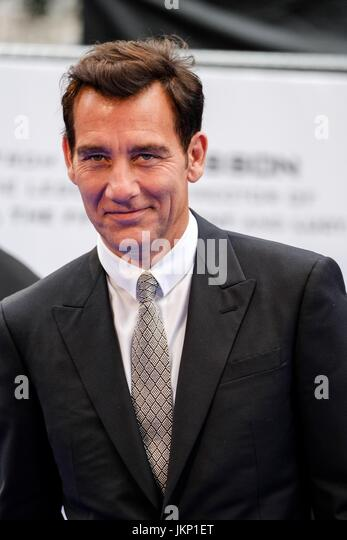 Clive Owen arrives on the Blue Carpet at Cineworld Leicester Square for the European Premiere of Valerian and the - Stock Image