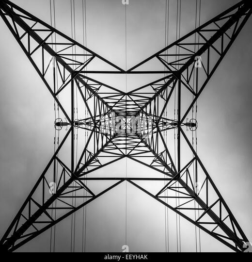 Electricity pylon viewed from below - Stock-Bilder