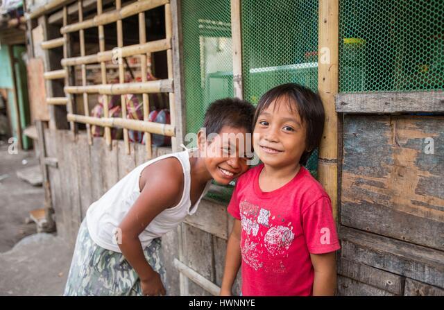 Philippines, Luzon, Sorsogon Province, Donsol, boy in the street - Stock-Bilder