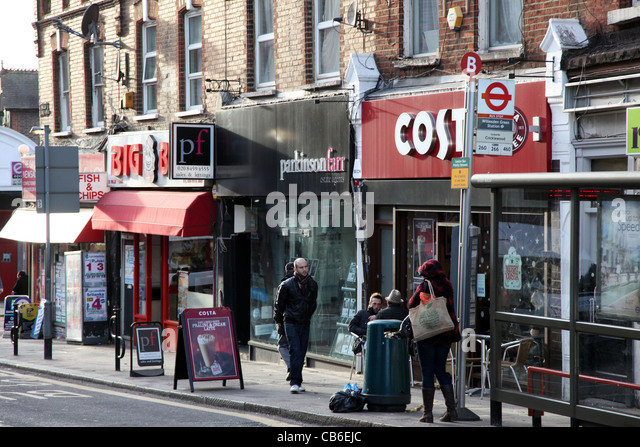 Willesden Green shopping parade - Stock Image