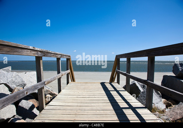 Wooden boardwalk to the beach on Seabrook Island, near Charleston, South Carolina, USA - Stock Image