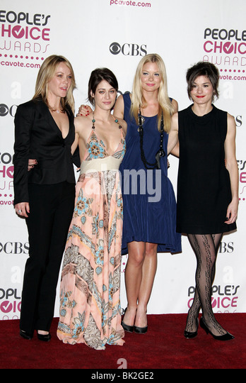 ANDREA ANDERS LIZZY CAPLAN JAIME KING HEATHER GOLDENHERSH 33RD PEOPLES CHOICE AWARDS DOWNTOWN LOS ANGELES USA 09 - Stock Image