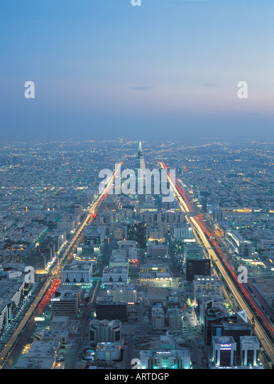 Overview of Riyadh with King Fahed Street and Al Faisaliah Tower, Riyadh, Saudi Arabia - Stock Image