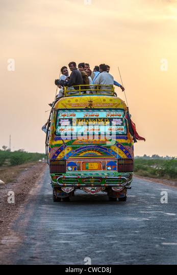 Long distance bus in rural Punjab Province, Pakistan - Stock-Bilder