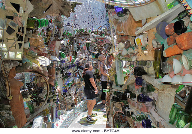 Pennsylvania Philadelphia South Philly South Street Magic Gardens mosaic Isaiah Zagar art artist installation fence - Stock Image