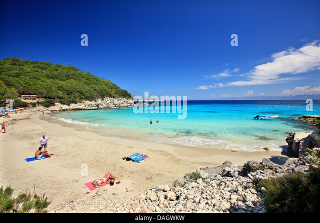 The exotic Vrika beach, Antipaxos ('Antipaxi') island, Ionian Sea, Eptanisa ('Seven Islands'), Greece. - Stock Image