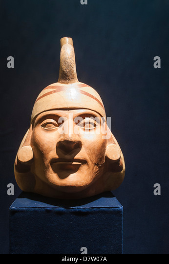 Pre-Columbian pottery in the Museum of Archaeology, Trujillo, Peru, South America - Stock Image