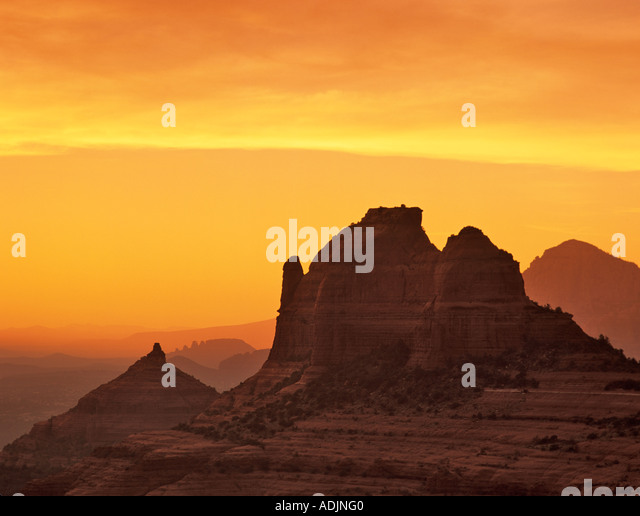 Sillouetted rocks near Sedona Arizona with sunset - Stock-Bilder