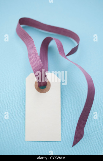 Close up of blank gift tag - Stock Image
