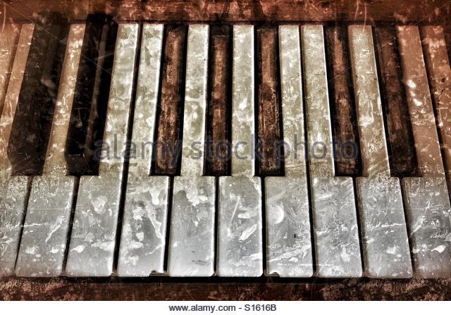 Grungy piano - Stock Image