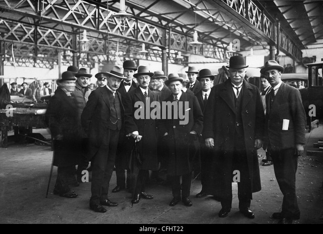 Prime Minister of New Zealand's Visit, Sunbeam Motor Car Company, Wolverhampton, 13 Dec 1923. - Stock Image