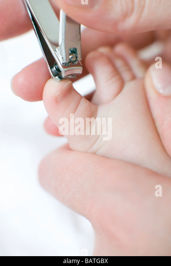 how to cut nails baby