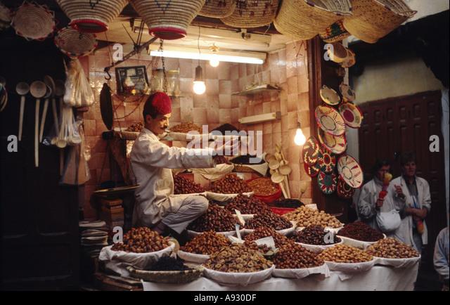 Bazar in cairo stock photos bazar in cairo stock images for Cairo outlet