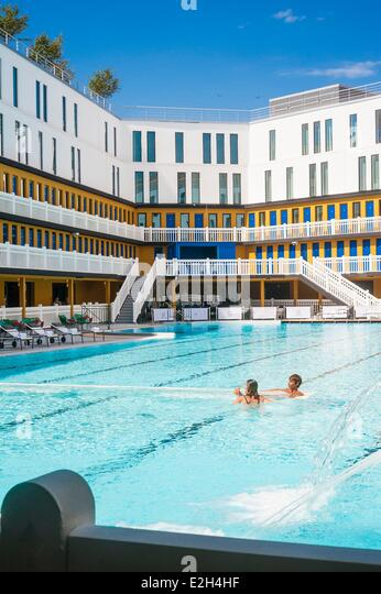 Molitor stock photos molitor stock images alamy for Public swimming pools paris
