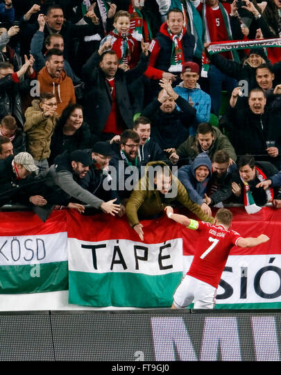 Budapest, Hungary. 26th March, 2016. Hungarian Balazs Dzsudzsak is celebrated by the fans after his equalizer score - Stock-Bilder