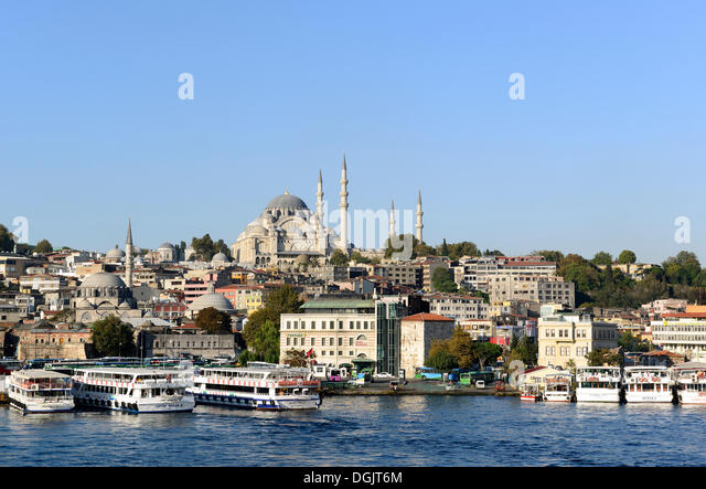 Süleymaniye Mosque, with Rüstem Pasha Mosque on the left, Golden Horn, Eminönü, Istanbul, European - Stock Image