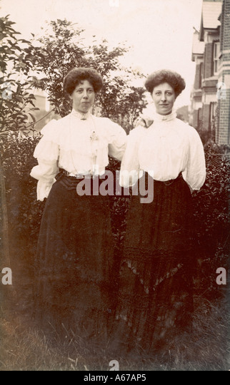 Adult Sisters Twins 1900 - Stock Image