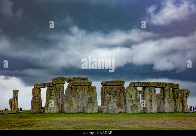 Stonehenge and looming storm, SalisburyPlain, England. United Kingdom  Ancient stone monument ca.3100 BC  World - Stock-Bilder