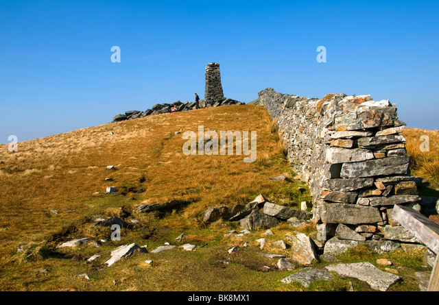 The summit cairn on Mynydd Tal-y-mignedd, Nantlle Ridge, Snowdonia, North Wales, UK - Stock Image