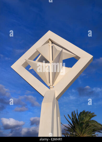 Cesar Manrique Windmill sculpture outside his renowned house in Tahíche Teguise Lanzarote Canary Islands Spain - Stock-Bilder