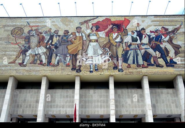 Socialist-realist style mosaic fascia of Albania's National Historical Museum in Skanderbeg Square Tirana - Stock Image