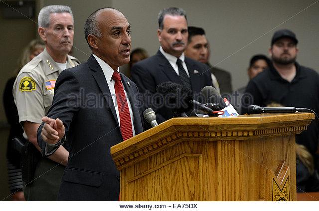 San Bernardino, California, U.S. 7th Nov, 2014. San Bernardino County Sheriff's announce an arrest in the deaths - Stock Image