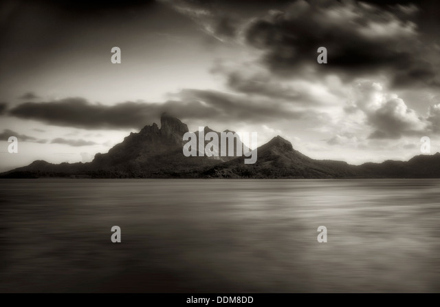 Mt. Otemanu at sunset. Bora Bora. French Polynesia. - Stock-Bilder