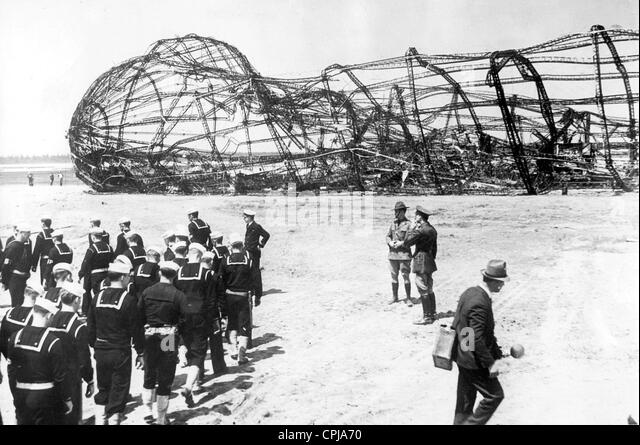 Framework of the crashed airship Hindenburg, 1937 - Stock Image