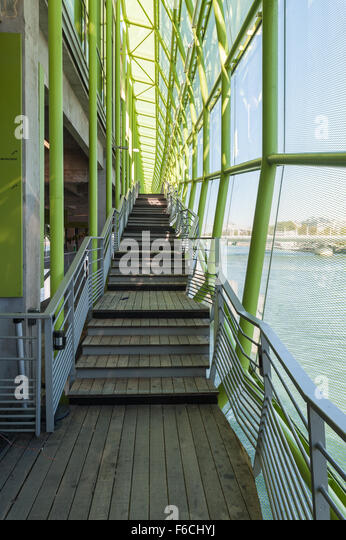 Les docks stock photos les docks stock images alamy for Les docks du meuble