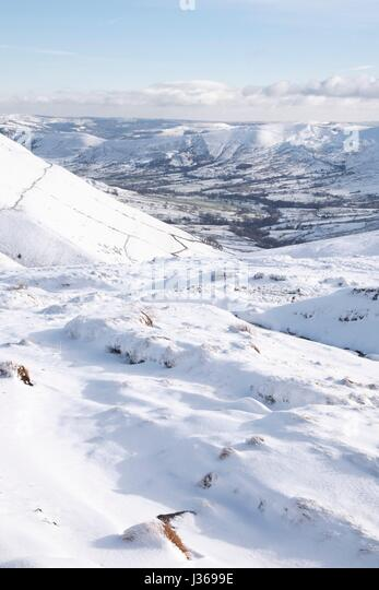 Snow covered valley in winter, Edale, Peak District, UK - Stock Image