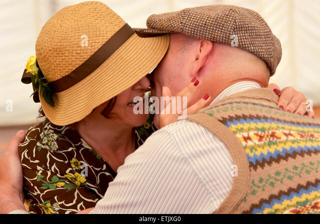 War time sweethearts giving their goodbyes before going to war - Stock Image