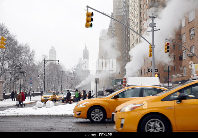 USA, New York State, New York City, Traffic on street - Stock Image