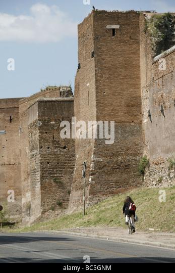 Rome woman scooter riding stock photos rome woman - Via di porta ardeatina ...