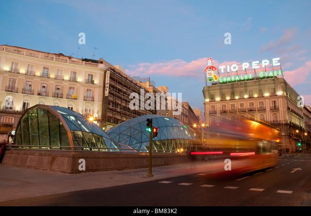 Subway entrance spain stock photos subway entrance spain for Puerta del sol madrid spain