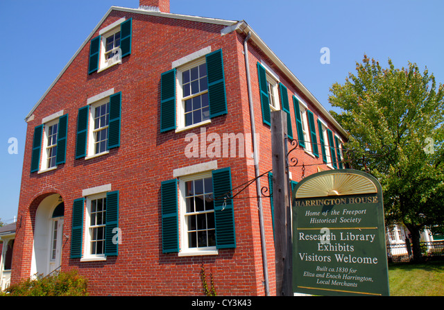 Maine Freeport Main Street Route 1 Harrington House historical society research library sign historic building - Stock Image