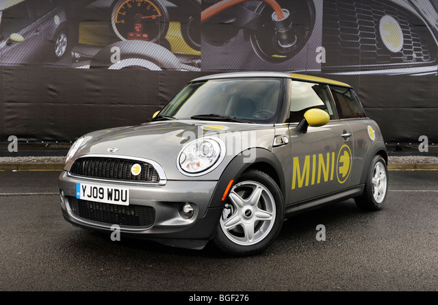 a mini e electric car front 3 quarter view - Stock Image