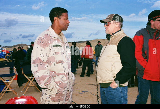 DENZEL WASHINGTON & JONATHAN DEMME THE MANCHURIAN CANDIDATE (2004) - Stock Image