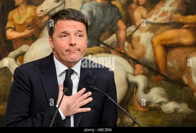 Rome, Italy. 4th Dec, 2016. Italy's prime minister Matteo Renzi speaks about a change of consitution after the - Stock Image