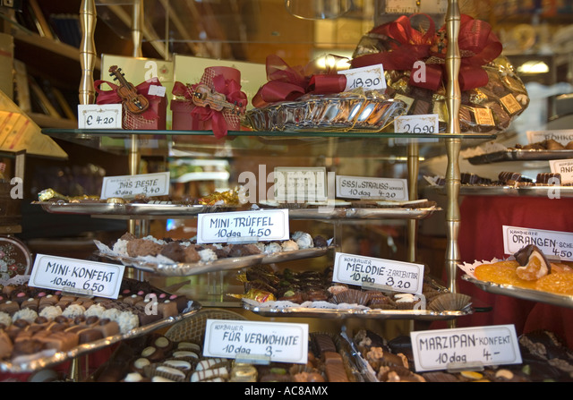 Vienna Austria Confiserie shop window with sweets - Stock Image