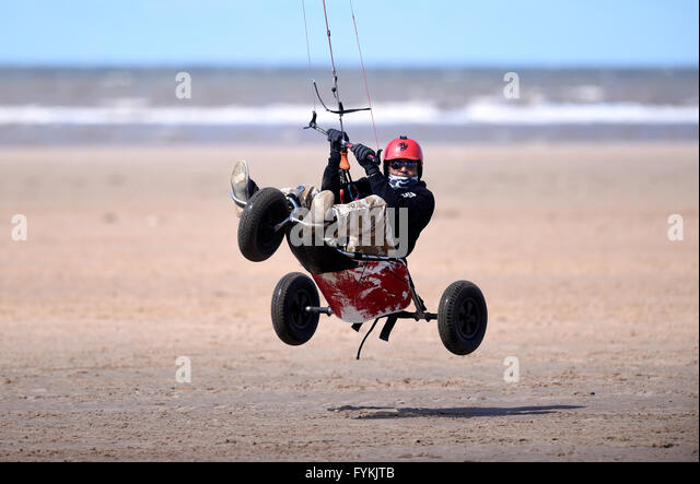 Ainsdale, Merseyside, UK. 27 April 2016. Kiteboarders enjoy the windy conditions at Ainsdale Beach.Merseyside.© - Stock Image