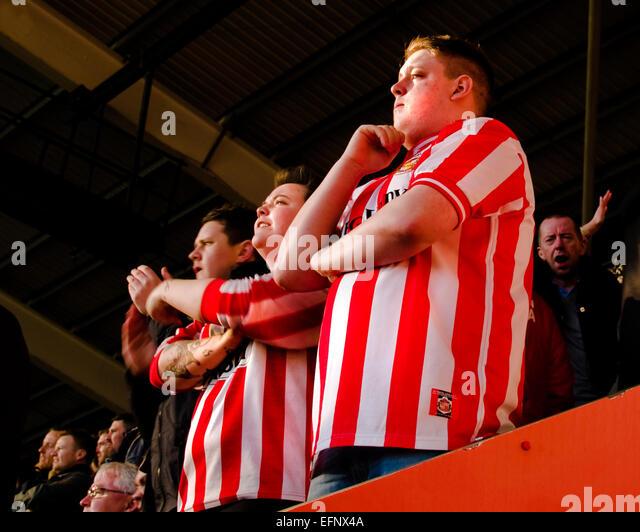 Sunderland fans watch their team in the Barclays Premier League - Stock-Bilder