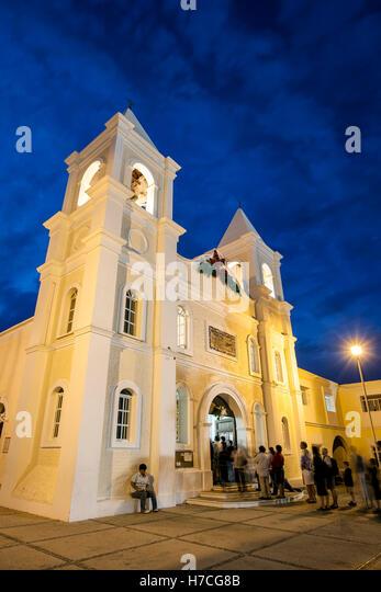 San Jose Church (ca. 1940) and parishioners, San Jose del Cabo, Baja California Sur, Mexico - Stock Image