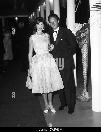Mr and Mrs Igor Cassini (aka Cholly Knickebocker) at the Bal des Fleurs at the Meadowclub, Southampton, NY ca 1961 - Stock Image