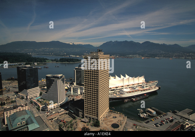 Vancouver Canada City Scenic Skyline with cruise ship - Stock Image