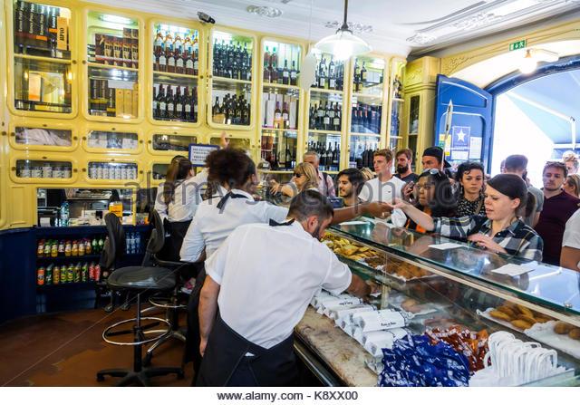 Portugal Lisbon Belem historic district Rua de Belem Fabrica de Pasteis de Belem bakery pastry shop Portuguese confectionery - Stock Image