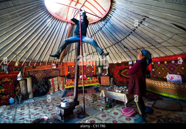 A peek into a Kazakh Yurt in Western Mongolia. - Stock-Bilder