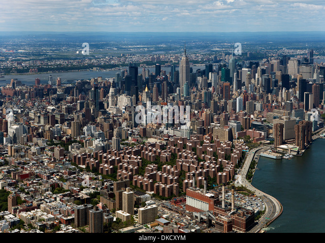 aerial photograph Stuyvesant Town Peter Cooper Village to midtown Manhattan, New York City - Stock Image