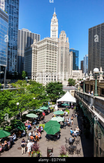 Chicago Illinois Chicago River downtown Wrigley Building city skyline skyscrapers O'Brien's Riverwalk Cafe - Stock Image